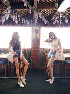 lee chae eun & kim jeong yeon rock chae eun lee chae eun kim jeong yeon kim jung yeon sia ulzzang model chuu summer k-fashion k-style korean fashion korean style girls