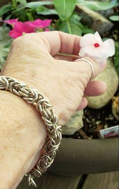 Sterling silver bracelet and periwinkles - LAURA TEAGUE JEWELRY Blooming Flowers, Summer Flowers, Advanced Style, Classic Outfits, Periwinkle, My Flower, Sterling Silver Bracelets, Womens Scarves, Earrings
