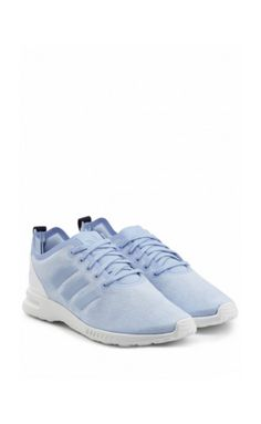 Designed for comfort and performance, these light blue 'ZX Flux Smooth'  sneakers from Adidas Originals are the coolest choice for early morning  runs or for ...