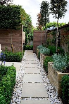 Check out these amazing small backyard and garden design ideas.Check out these amazing small backyard and garden design ideas. Small Backyard Gardens, Backyard Garden Design, Small Backyard Landscaping, Small Garden Design, Landscaping Tips, Small Gardens, Balcony Garden, Backyard Ideas, Mailbox Landscaping