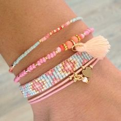 Mint15 armbanden set - baby blue en pink - available via www.capricci.nl | #armbandenset #armbanden #set #beads #bracelets #armparty #armcandy #goud #tassel #mint15 #capricci #capricci.nl