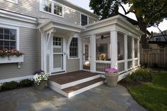 Greek Revival Remodel - Screened Porch - klassisch - Veranda - Minneapolis - TreHus Architects+Interior Designers+Builders