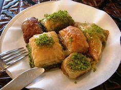 An Ottoman legacy, baklava is one of the greatest creations from the pastry chefs at the Topkapi Palace. Generally, baklava is enjoyed as a mid-morning sweet… Turkish Recipes, Greek Recipes, New Recipes, Cooking Recipes, Ethnic Recipes, Palestinian Food, Istanbul, Turkish Baklava, Most Popular Desserts