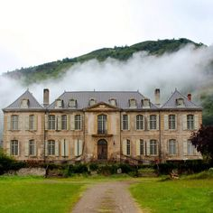 Chateau de Gudanes is an 18th century french chateau that a family is restoring and posting the whole thing on Instagram!