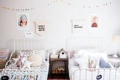 MINNEN IKEA bed for kids. Bedroom from Con Botas de Agua blog. Big Girl Bedrooms, Shared Bedrooms, Little Girl Rooms, Ikea Kids Bed, Ikea Bed, Baby Bedroom, Girls Bedroom, Ikea Minnen Bed, Cama Ikea