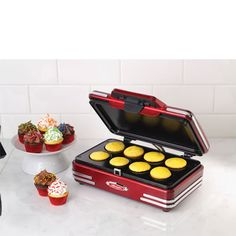 Prepare delicious cupcakes and other pastries at your home by using this Nostalgia Electrics Retro Series Style Mini Cupcake Maker. Yummy Cupcakes, Mini Cupcakes, Nostalgia, Cake Mixture, Cooking Appliances, Kitchen Appliances, Small Appliances, Simply Filling, Brownie Bites