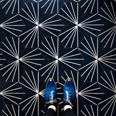 Sebastian Erras Captures the Beauty of Parisian Floors 8 - MaterialDistrict Floor Design, Tile Design, Tile Patterns, Textures Patterns, Blue Cafe, Flower Pattern Design, Best Flooring, Vinyl Flooring, Belle Photo