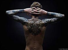 Pointillism tattoo by Nazareno Tubaro (4)