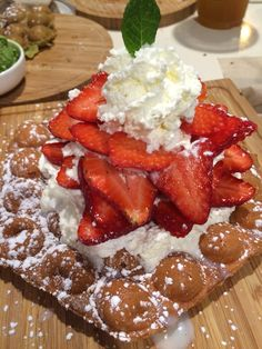 THE BBT SPOT: Strawberry & cream on bubble waffle. 7/10 #dessert #vancouver #musttry #yummy #food #vancouvereats Bubble Waffle, Strawberries And Cream, Vancouver, Waffles, Bubbles, Strawberry, Canada, Yummy Food, Breakfast