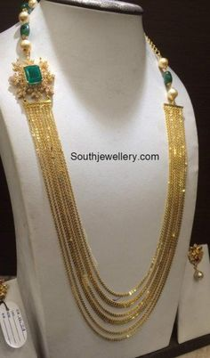 Chandraharam with Diamond Side Pendant photo Gold Mangalsutra Designs, Gold Earrings Designs, Gold Jewellery Design, Necklace Designs, Vaddanam Designs, Gold Jewelry Simple, Indian Jewelry, Pakistani Jewelry, Pendant Jewelry