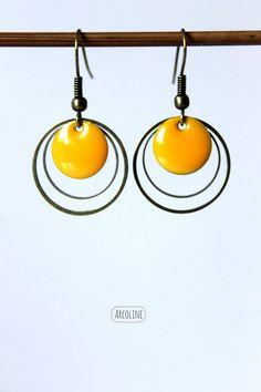 Boucles d'oreilles sequins émaillé jaune