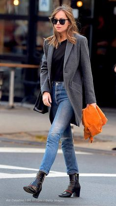 A/W blazer + high waisted straight leg girlfriend jeans + ankle boots