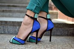 NEW STUNNING ZARA GREEN BLUE ANKLE STRAP HIGH HEEL SANDALS SHOES! SOLD OUT!!.