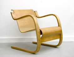 Name	 Lounge chair model 31 Designer	Alvar AALTO Producer / year	Artek, 1931-32 (1935). Early edition Description	Cantilever chair. Bent laminated and solid birch frame with bent plywood seat section
