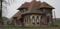 Beautiful Architecture, Beautiful Buildings, Beautiful Landscapes, Abandoned Houses, Abandoned Places, Old Houses, Desert Places, Mansions Homes, Bucharest