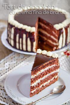 Din bucătăria mea: Tort de ciocolata cu crema fina de branza Romanian Desserts, Romanian Food, Cake Cookies, Cupcake Cakes, Food Cakes, Sweet Cakes, Something Sweet, Let Them Eat Cake, Cake Recipes