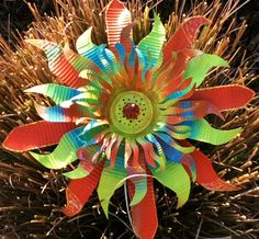 Lime Orange Burst Metal Flower by urbansparklez on Etsy Aluminum Can Flowers, Aluminum Can Crafts, Metal Crafts, Aluminum Cans, Soda Can Flowers, Tin Flowers, Soda Can Crafts, Crafts To Make, Fun Crafts