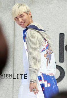 here's some brighter photos to brighten up my feed Daesung, Top Bigbang, G Dragon, D Lite, Fandom, Great Smiles, Pop Idol, Yg Entertainment, Korean Singer
