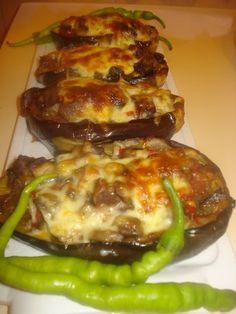 VENEDİK PATLICAN  Malzemeler  -  3 adet bostan patlıcan  -  Yarım kg.kuşbaşı dana eti ve 1 su b.su  -  1 yemeklik doğranmı...