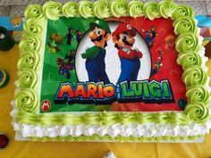 Bolo de chocolate com brigadeiro, coberto com chantily e papel de arroz no tema Mario Bros Mario Bros, Bolo Do Mario, Birthday Cake, Desserts, Food, Simple Crafts, Home Brewing, Birthday Cakes, Ideas Para Fiestas