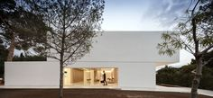 House in a Pine Forest by Fran Silvestre Arquitectos (39)