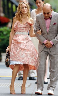 Okay PAUSE...this doesn't really have to do with anything except that it is pink and its carrie and its SATC... :)