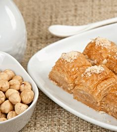 Μπακλαβάς με Φουντούκια (Findikli Baklava) Cereal, Dairy, Cheese, Breakfast, Food, Morning Coffee, Essen, Meals, Yemek