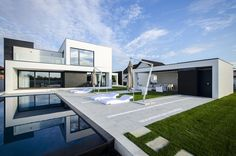 Black & White C House in Romania. Perfect both inside and outside.