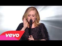 Não é só você que chora com as músicas da Adele não, ela também!