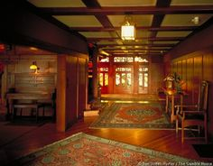 Front entry hall with living room entry at left. > interior photos of The Gamble House / Craftsman Arts And Crafts For Teens, Art And Craft Videos, Arts And Crafts House, Easy Arts And Crafts, Arts And Crafts Projects, Home Crafts, Craftsman Style Homes, Craftsman Bungalows, Craftsman Houses