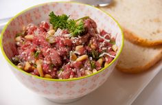 Video: biefstuktapenade Appetizer Recipes, Appetizers, Tapenade, High Tea, Chutney, Hummus, Food Inspiration, Tapas, Snacks