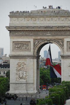 Arc de triomphe avec tricolore, Paris France✿‿✿PM