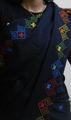 Kasuti on shawl. Embroidery On Kurtis, Hand Embroidery Dress, Embroidery Works, Indian Embroidery, Embroidery Fashion, Embroidered Blouse, Kurtha Designs, Kutch Work Designs, Blouse Designs