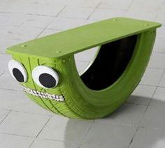 Una idea muy original y sencilla para fabricar un balancín para los niños... La imaginación de los papás mañosos no tiene límites, y si no, mirad esta idea