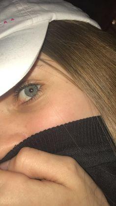 Poze cu lacrimi in ochi