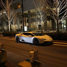 #lamborghini #huracan #lamborghinihuracan #cool #nice #supercar #night #photooftheday #photo #beautiful #awesome #amazing