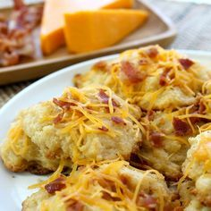 Biscuit Mix - Bacon and Cheddar – Make flaky biscuits that are loaded with the taste of cheddar cheese and smokey bacon.