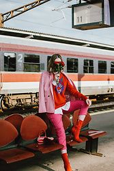 Back in the day, mixing two bold colors as red and pink was a huge no no, but nowadays in fashion knows no boundaries . Leo Print, Different Shades Of Pink, White Button Down Shirt, Red Hats, Red And Pink, Hot Pink, Pink Fashion, Women's Fashion, Fall Outfits