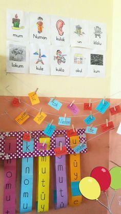 Legend DIY sheer curtain backdrop with fairy lights – Curtain Ideas Kindergarten Classroom Setup, Senses Preschool, First Grade, Fairy Lights, Origami, Backdrops, Language, Teaching, Crafts