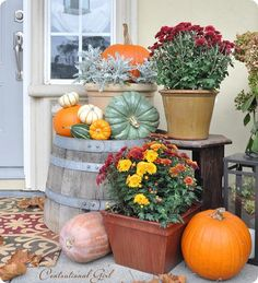 Fall Porch Decorating Idea - DIY Fall Curb Appeal II 10 festive ways to decorate your porch for fall Autumn Decorating, Porch Decorating, Decorating Ideas, Decor Ideas, Fall Home Decor, Autumn Home, Autumn Style, Hallowen Ideas, Harvest Decorations
