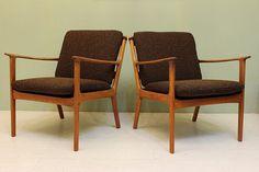 Mid Century Modern Danish Teak Chairs // Vintage by DejaVuLB, $2495.00 Danish Modern, Midcentury Modern, Bauhaus Design, Take A Seat, Ranch Style, Scandinavian Design, Teak, Accent Chairs, Upholstery
