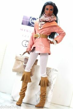 Dollsalive, fashion royalty, fr2 . barbie outfit, pink leather jacket, boots.