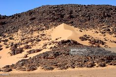 Photo : Formation of a sand dune in a desert rock, Hamada, Sahara, Libya, North Africa, Africa