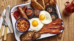Suggests a lot of great breakfast places to eat all over San Diego San Diego Breakfast, Best Breakfast, San Diego Brunch, Breakfast Menu, Breakfast Ideas, San Diego Vacation, San Diego Travel, Champignon Portobello, San Diego Restaurants