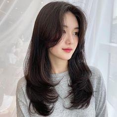 Haircuts Straight Hair, Haircuts For Medium Hair, Bangs With Medium Hair, Medium Hair Cuts, Long Hair Cuts, Long Layered Hair, Medium Hair Styles, Curly Hair Styles, Hairstyles Haircuts