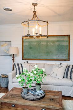 60 Farmhouse Living Room Joanna Gaines Magnolia Homes Decoration Ideas Using a superior lamp at your house will not likely only enhance the look of any place, but will merely transform any space from a stress filled and chaotic Room… Continue Reading → Living Room Colors, Living Room Decor, Living Area, Living Rooms, Fixer Upper, Estilo Joanna Gaines, Casas Magnolia, Above Couch, Design Blog