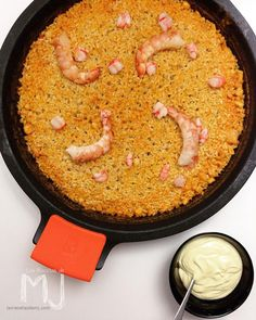"""A seafood rice dish with crispy rice layer (""""socarrat"""") on the bottom Spanish Kitchen, Spanish Dishes, Rice Pasta, Best Chef, Food Decoration, Rice Dishes, How To Cook Pasta, Food And Drink, Favorite Recipes"""