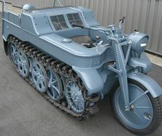 Army Vehicles, Armored Vehicles, Ww2 Tanks, Motorcycle Design, Military Weapons, Military Equipment, German Army, Vintage Motorcycles, War Machine