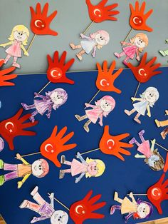 23 NİSAN FARKLI DAVETİYE okulöncesi - Google'da Ara Kindergarten Classroom, Classroom Decor, Teacher Bulletin Boards, English Activities, Pre School, Birthday Decorations, Art Projects, Arts And Crafts, Kids Rugs