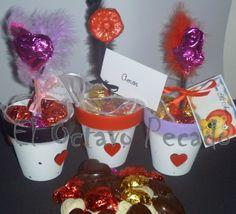 Macetas con bombones y chupetin de chocolate  Consultas contacto@eloctavopecado.com.ar